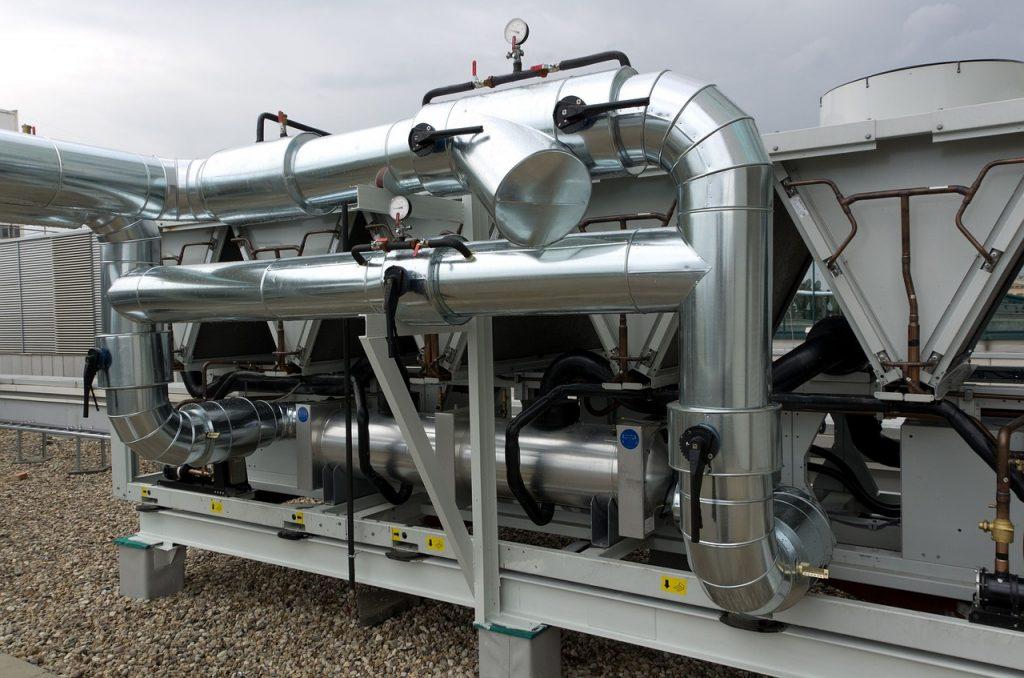 Instal•lació de climatització a empreses: calefacció i aire condicionat Instal•lació de climatització a empreses: calefacció i aire condicionat. Ens encarreguem de la climatització a empreses, companyies i privats garantint els millors resultats, rapidesa i eficàcia. Treballem la instal•lació de calefacció i aire condicionat des de l'assessorament fins al manteniment final. Durant la nostra trajectòria professional, hem treballat la climatització d'edificis a: Centres comercials Oficines Hotels i edificis d'apartaments Residències Escoles